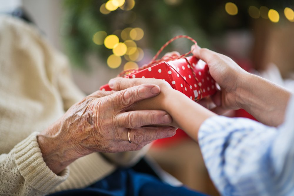 7 Last-Minute Gift Ideas for the Seniors You Care For